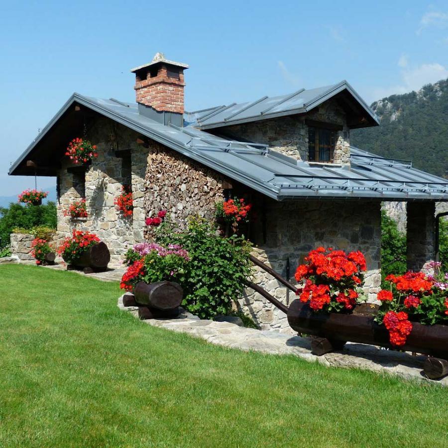 holiday-house-177401_1280.jpg
